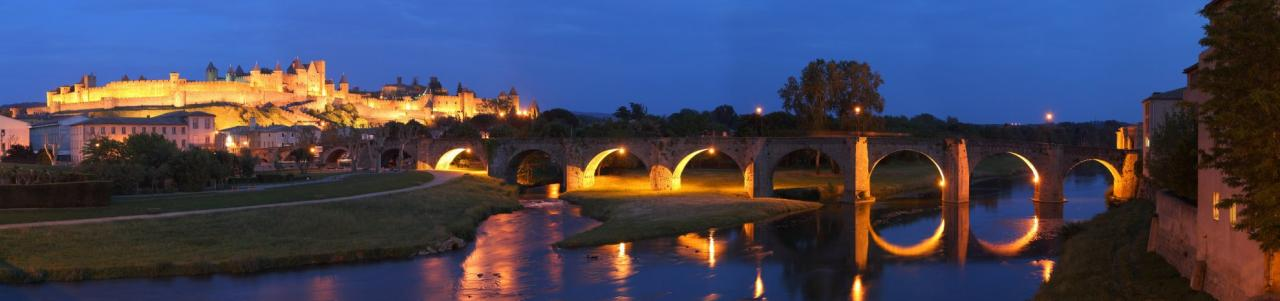 Panorama with the Castle and the Old Bridge by night